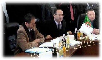 Le Wali Abdelkader Bouazghi lors d'une visite à Bouzeguene - Photo d'archives Kabylie News